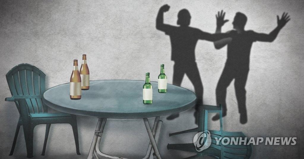 고환 잡히자 흉기로 찌른 전과 28범…집유→실형 법정구속