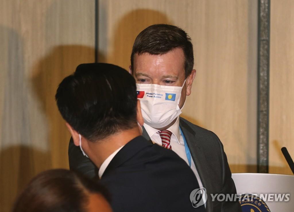 美케리 중국행·비공식대표단은 대만에…'대화·압박 병행'(종합2보)