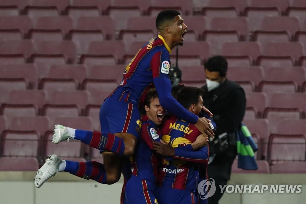 '뎀벨레 극장골' 바르사, 라리가 6연승…선두와 승점 1 차이