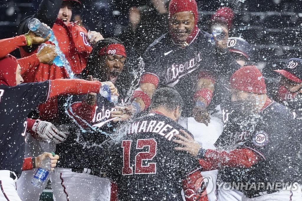 슈워버, 워싱턴 이적 후 첫 홈런을 끝내기로 장식