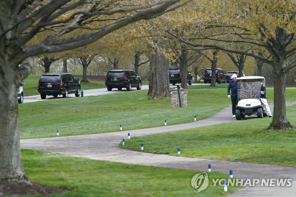 바이든 대통령, 취임 후 3개월만에 첫 골프장행