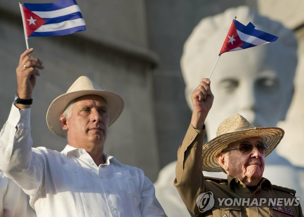 혁명 후 태어나 비틀스 듣던 디아스카넬, 쿠바에 변화 가져올까