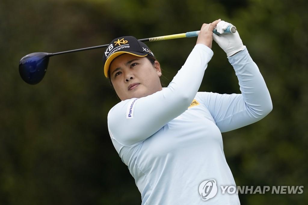 박인비·박희영, HSBC 위민스 2R 공동 선두…김효주 3위