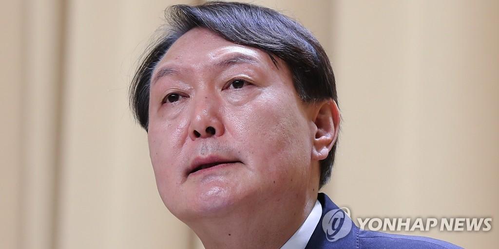 법무부 '尹징계 소송' 무대응에…법원, 의견제출 요구(종합)
