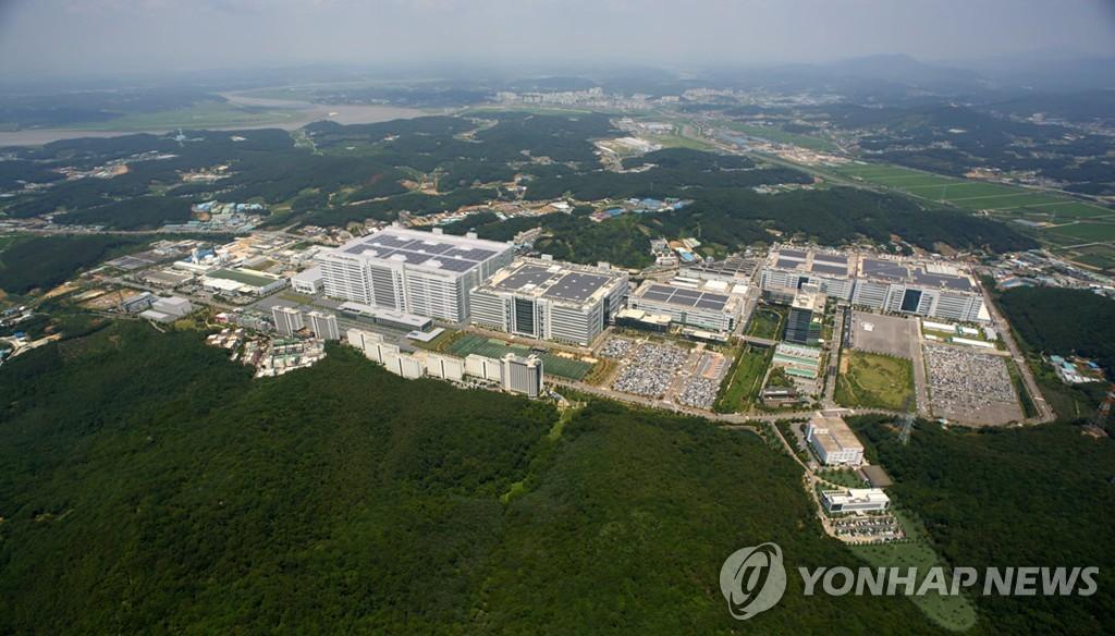 LG디스플레이, ESG·내부거래위원회 만든다