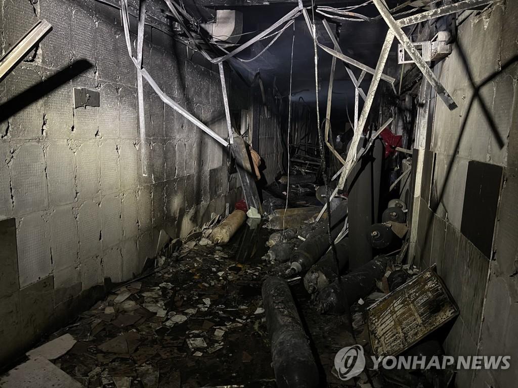 """코로나19 환자 치료 이라크 병원서 화재…당국 """"82명 사망""""(종합2보)"""