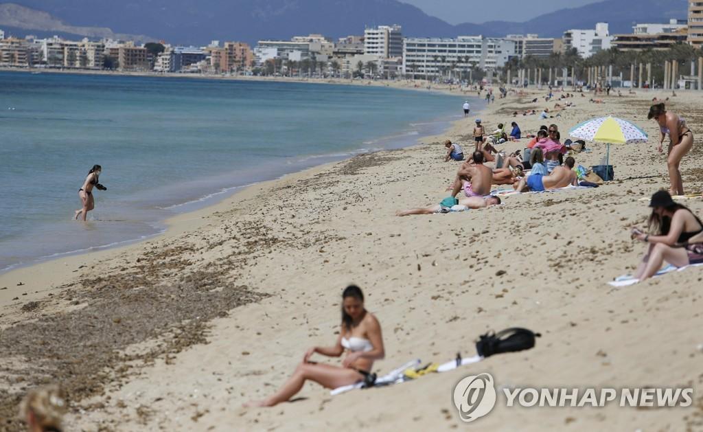 """""""해변서 마스크 의무라니…"""" 스페인 관광업계 속앓이"""