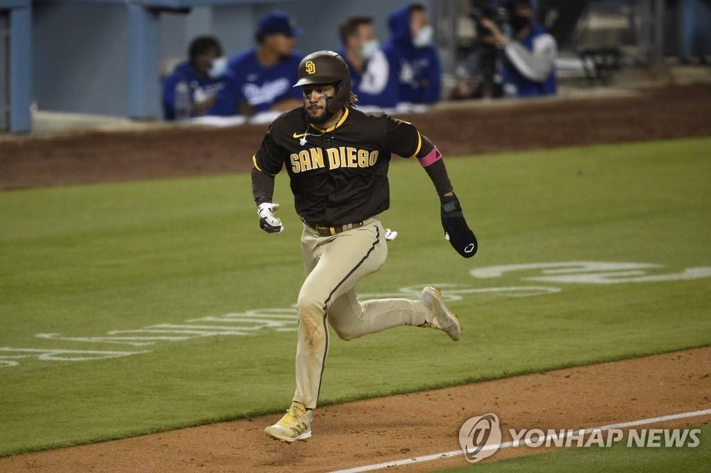 김하성 대타 삼진…샌디에이고, 다저스에 연장 역전승
