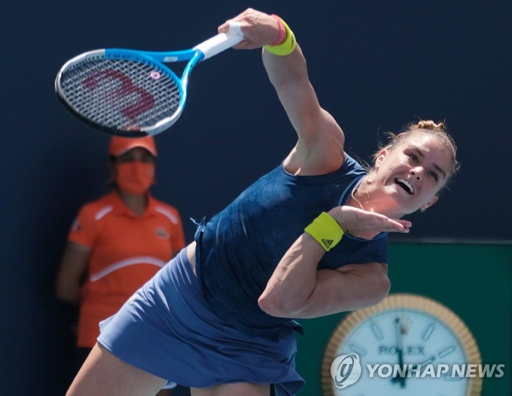 여자 테니스 세계 2위 오사카, 사카리에게 져 23연승 행진 중단