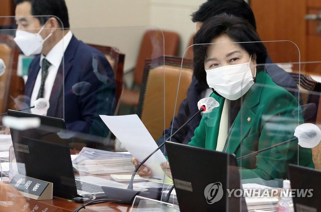 """조명희 """"미세먼지 대책 체감도 낮아…위성정보 활용해야"""""""
