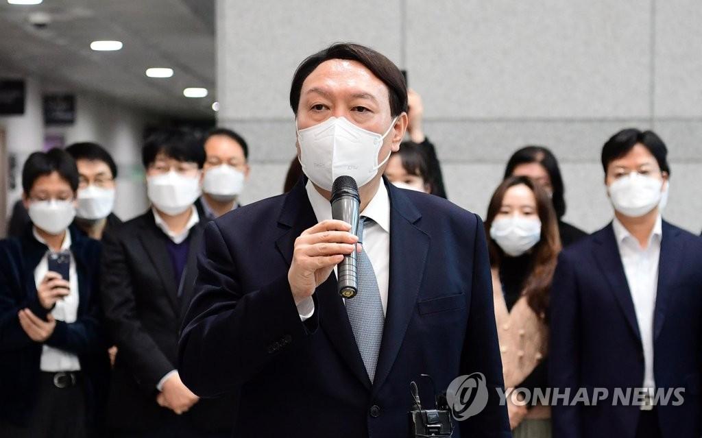 '포스트 윤석열' 1개월…변화에 적응 시도하는 검찰
