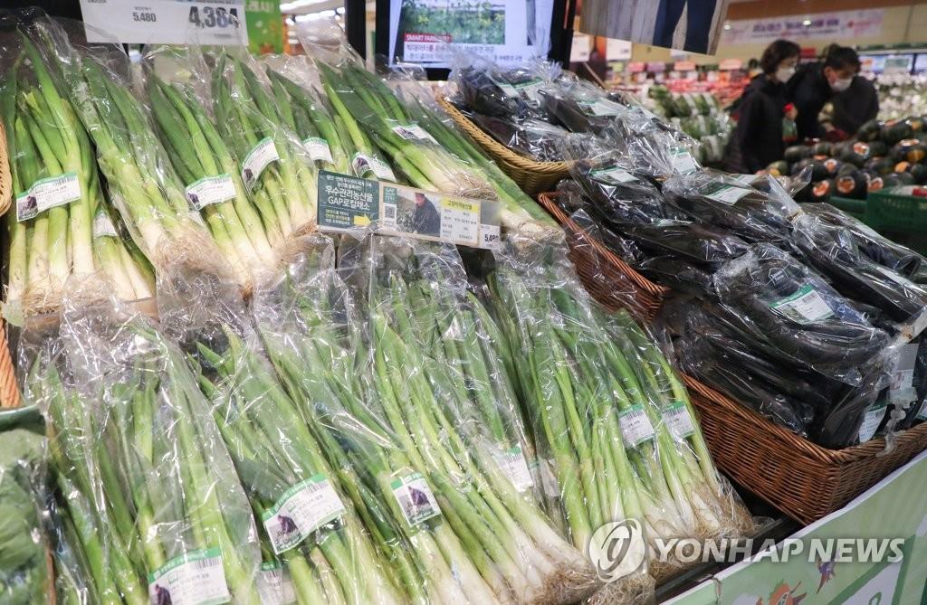 기상악화·AI에 농축산물 가격 급등…이달부터 안정 전망