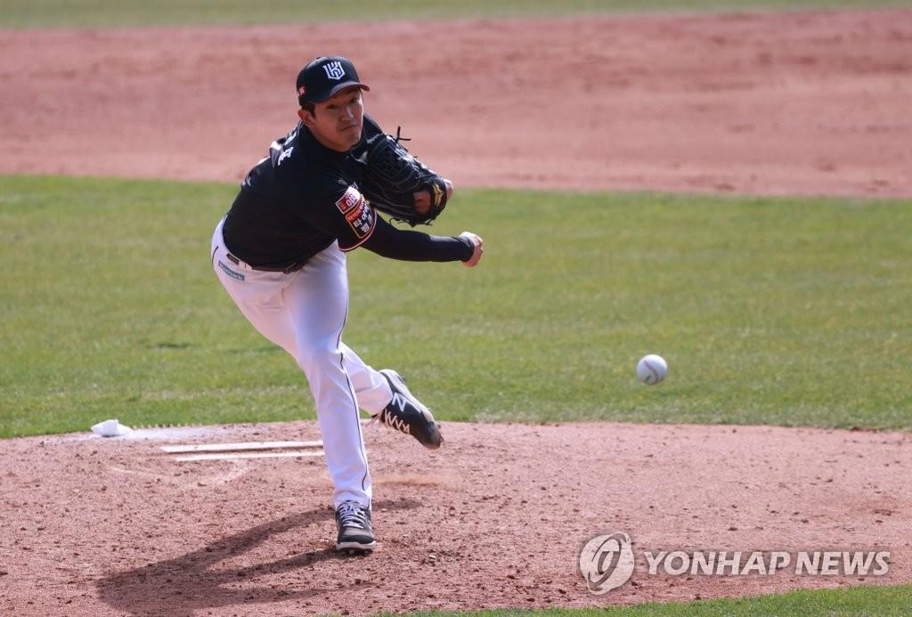 나성범 역전 홈런에 싹쓸이 쐐기타…챔피언 NC, 2패 후 첫 승리(종합)
