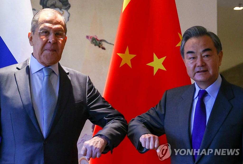 """""""중국·러시아·이란, 서방이 압박할수록 더 뭉칠 것"""""""