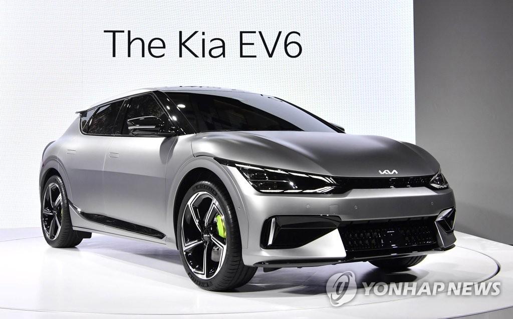 '자동차' 뗀 기아, RV 판매 호조에 영업익 연속 1조원 돌파(종합2보)