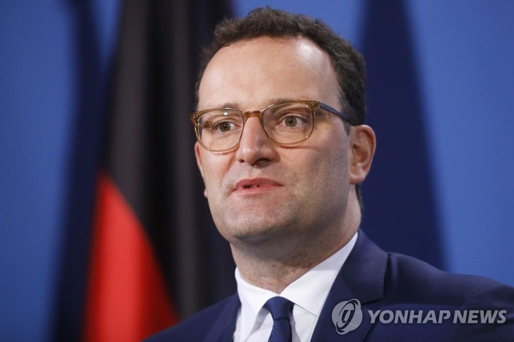 한국도 AZ백신 접종 일단 보류…'11월 집단면역' 형성 차질 우려