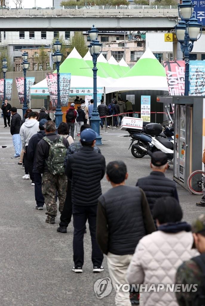 [속보] 코로나19로 어제 4명 사망…누적 1천748명