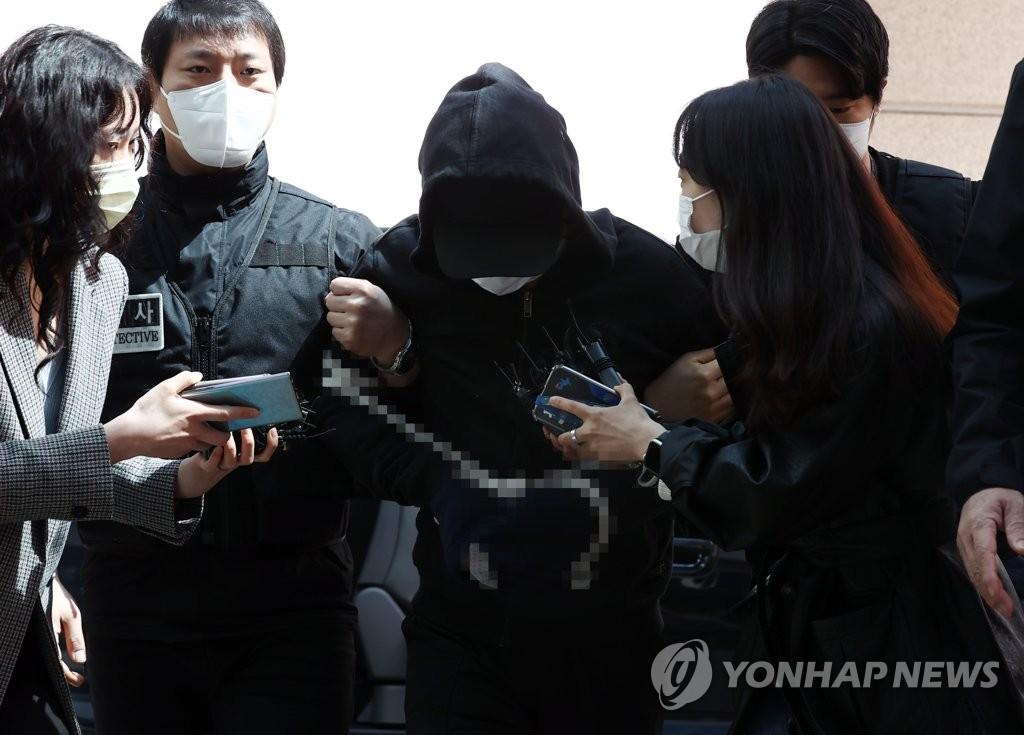 노원 세모녀 살인범 구속 후 첫 조사…정신감정도 검토