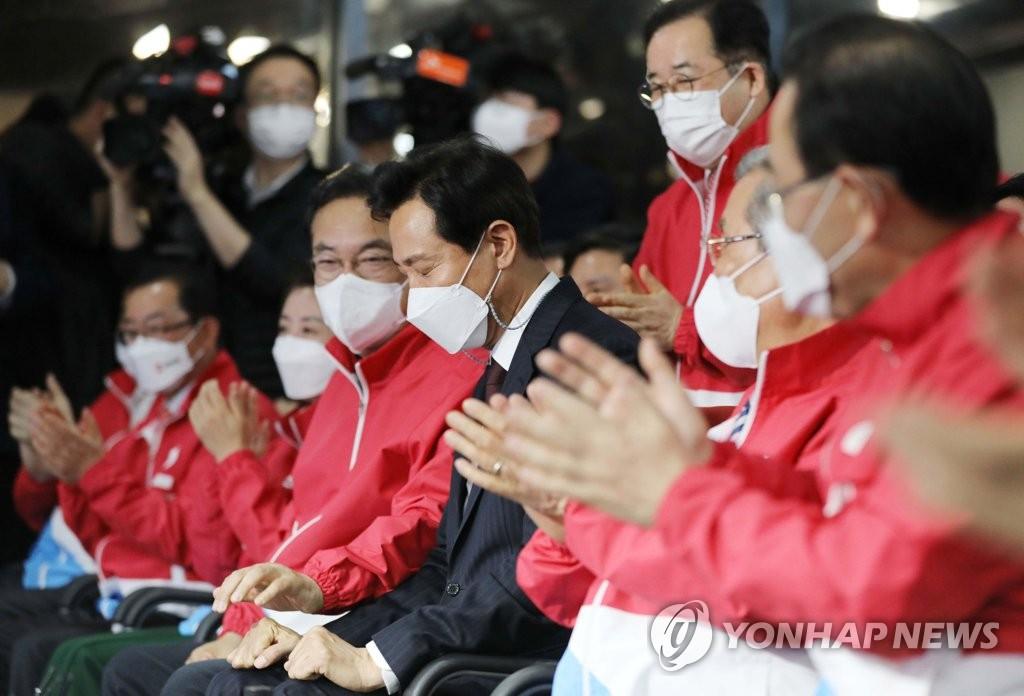 '출구조사' 박영선, 40대만 우세…20대男 72%, 吳지지