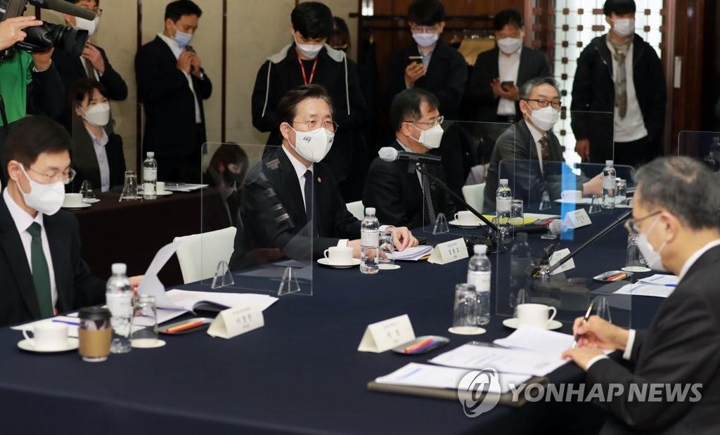 """이석희 SK하이닉스 CEO """"키옥시아 투자금 회수 계획 없어"""""""