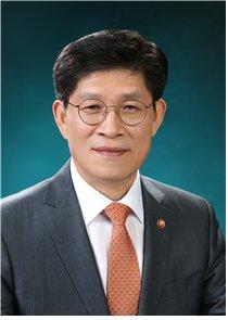 노형욱 국토부장관…국정 전반 이해도 높은 경제관료