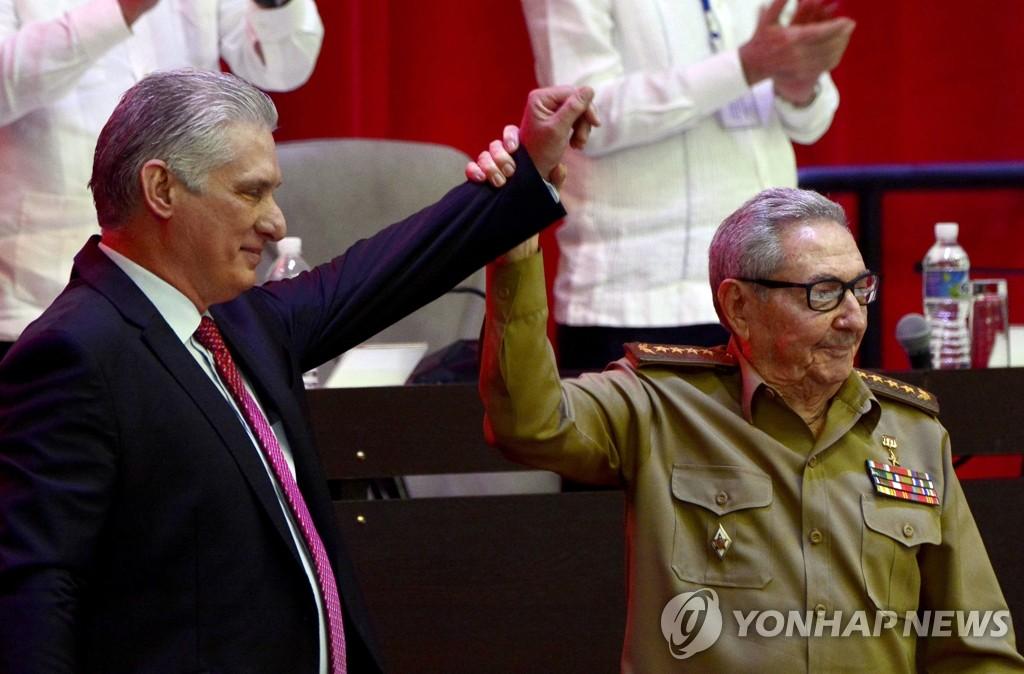 """김정은, 쿠바 '새 1인자' 디아스카넬에 축전…""""친선발전 확언"""""""