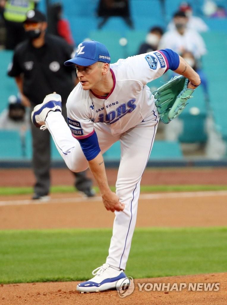 이대호, 역전 결승 3점포…롯데, 홈런 공방전 속에 두산 제압