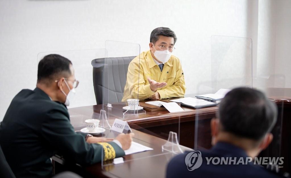 """'급식사과' 서욱, 현장점검…""""간부, 장병을 아들처럼 생각해야"""""""