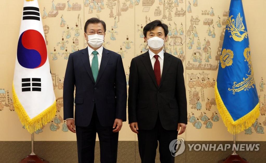 """문대통령, 이현주 세월호특검 임명…""""의문없게 엄정수사""""(종합)"""