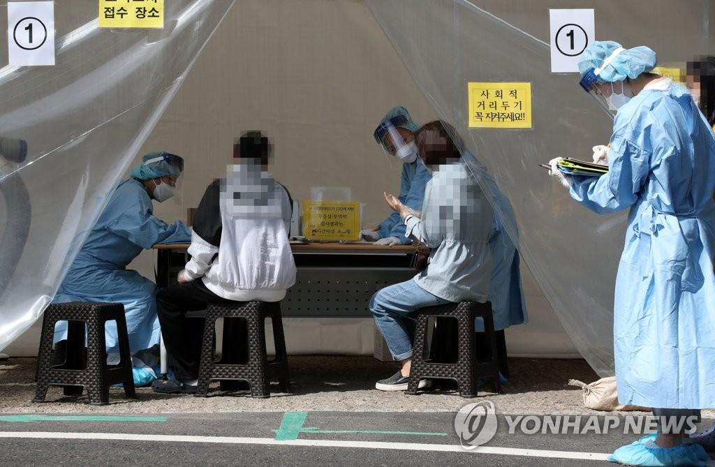 롯데백화점 인천터미널점 직원 5명 확진…2천명 전수검사(종합)