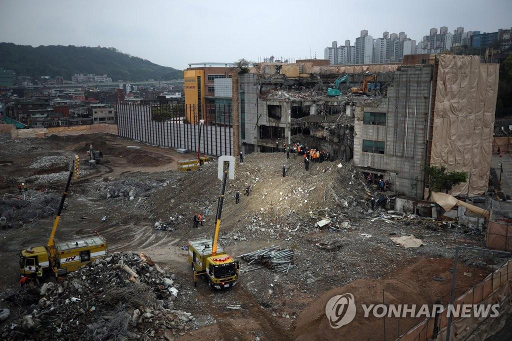 서울 장위10구역 철거 중 노동자 1명 매몰…야간 구조작업(종합2보)