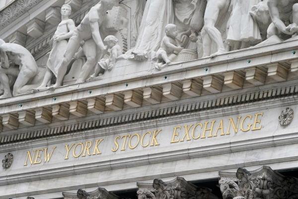 미국 뉴욕 월스트리트에 위치한 뉴욕증권거래소(NYSE) 외관 모습. AP연합뉴스
