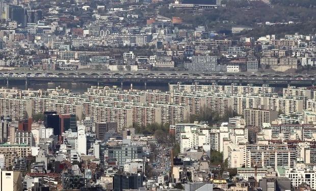서울 압구정동 현대아파트 등 한강변 모습.  /연합뉴스