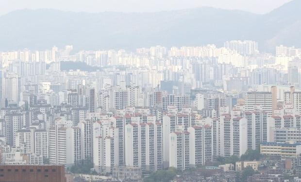 서울 남산에서 바라본 서울 시내의 아파트 단지 전경. /연합뉴스