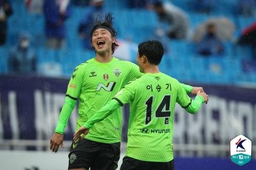 전북 수원 · 백승호 비서 31 일 완승 무패 선두 유지