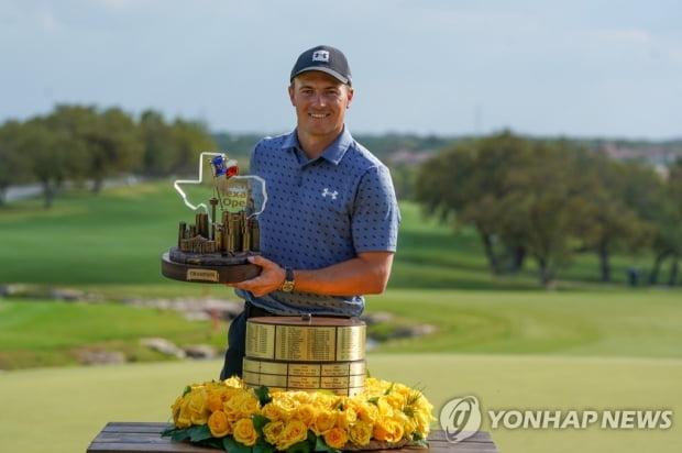 Golden Boy의 Return Spice, 3 년 9 개월 만에 PGA 투어 우승