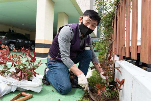 우리 집 앞에 미래를 심어요! CU-애월단, 식목일 언택트 '희망의 나무심기' 봉사활동