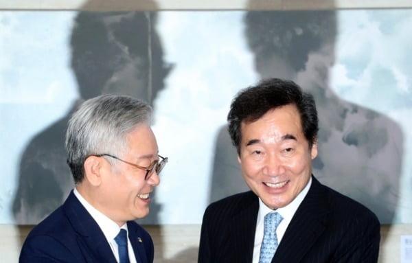 이낙연 전 더불어민주당 대표와 이재명 경기도지사. /사진=연합뉴스
