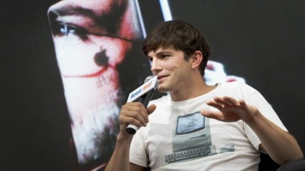 영화배우 애쉬튼 커쳐가 애플 창업자 고(故) 스티브 잡스 역할로 영화 '잡스'에 출연했던 2013년 모습. 한경DB