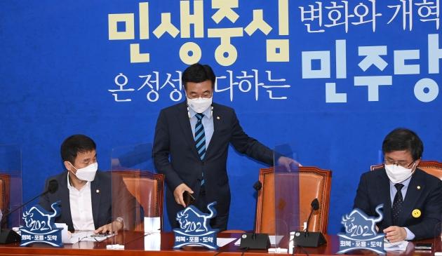 '절대 지지 안하는 정당' 민주당 39.7% vs 국민의힘 31.5%