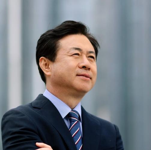 """""""호황 오래가지 않을 것""""…전 해수부 장관의 HMM 투자 경계령"""