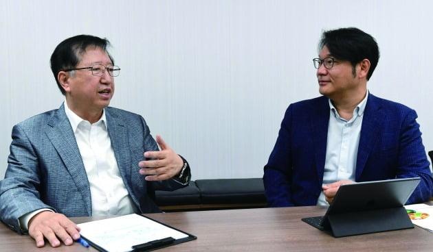 지대윤 퓨처캠 대표(사진 왼쪽), 조상래 젠큐릭스 대표 / 사진=신경훈 기자