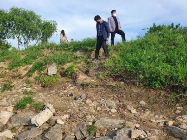 손정민 씨 친구 A씨가 지난 25일 새벽 4시 20분 잠들어있다가 발견된 한강변 경사로.