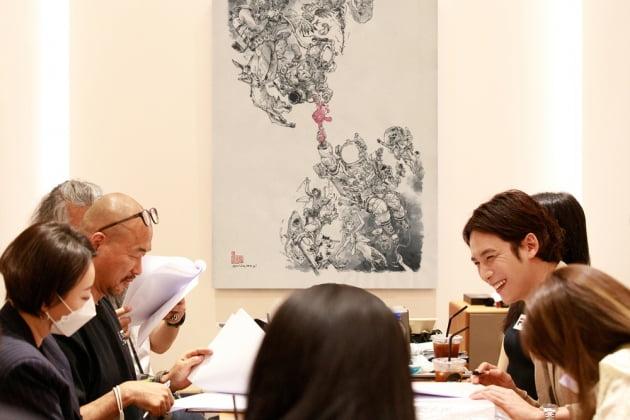 박기웅, 김정기 작가/사진=마운틴무브먼트
