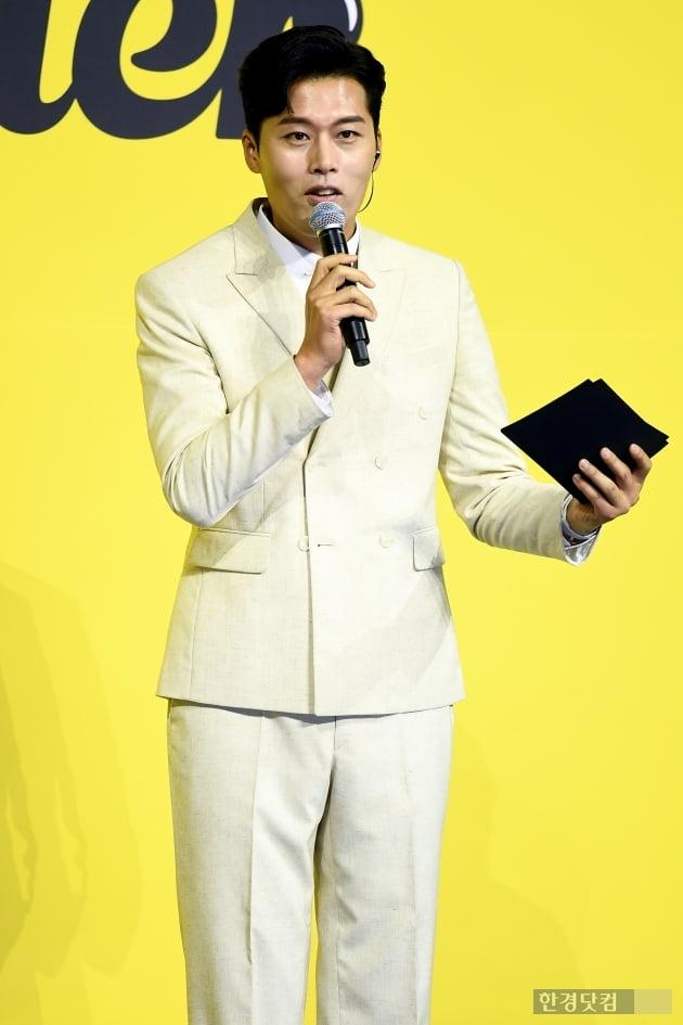 [포토] 김일중, 'BTS 기자회견에 제가 빠질 수 없죠~'