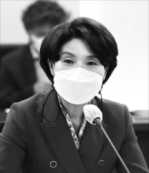 """한정애 """"수도권 쓰레기 매립지 재공모하겠다"""""""