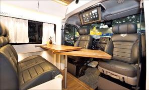 르노삼성 마스터 버스, 실내 넓은 캠핑카로 변신