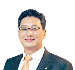 """조윤남 대신경제연구소 대표 """"재무제표에 없는 리스크 관리 간과했다간 살아남기 어렵다"""""""