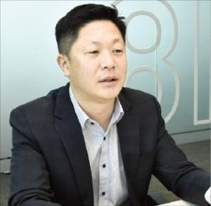 """김제욱 한화생명 보험사기팀 과장 """"보험경찰 10년…서류만 봐도 사기범 알죠"""""""