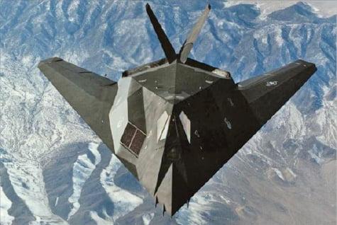 F-117 스텔스 전폭기.  출처: 록히드마틴 홈페이지